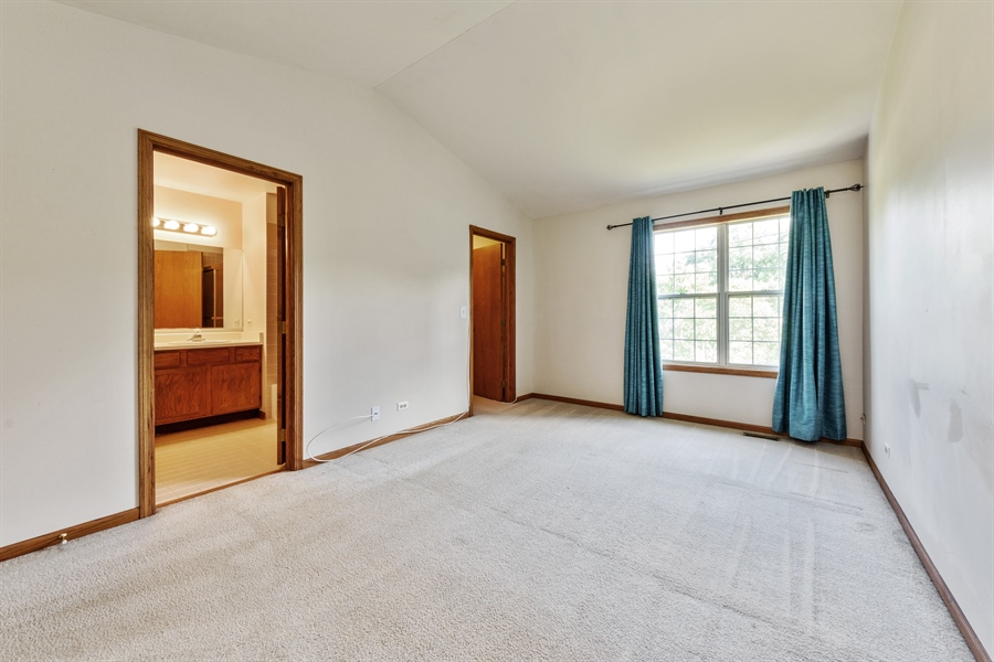 Real Estate Photography - 2916 Heatherwood Drive, Schaumburg, IL, 60194 - Master Bedroom