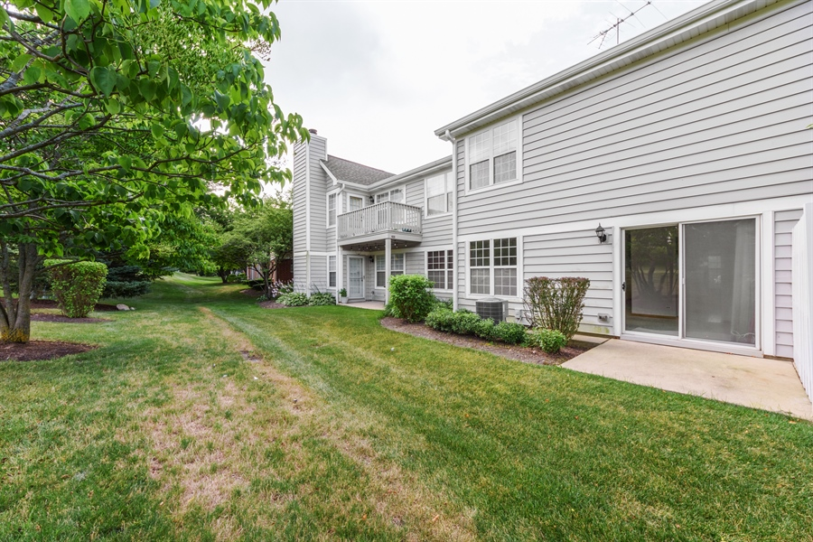 Real Estate Photography - 2916 Heatherwood Drive, Schaumburg, IL, 60194 - Rear View
