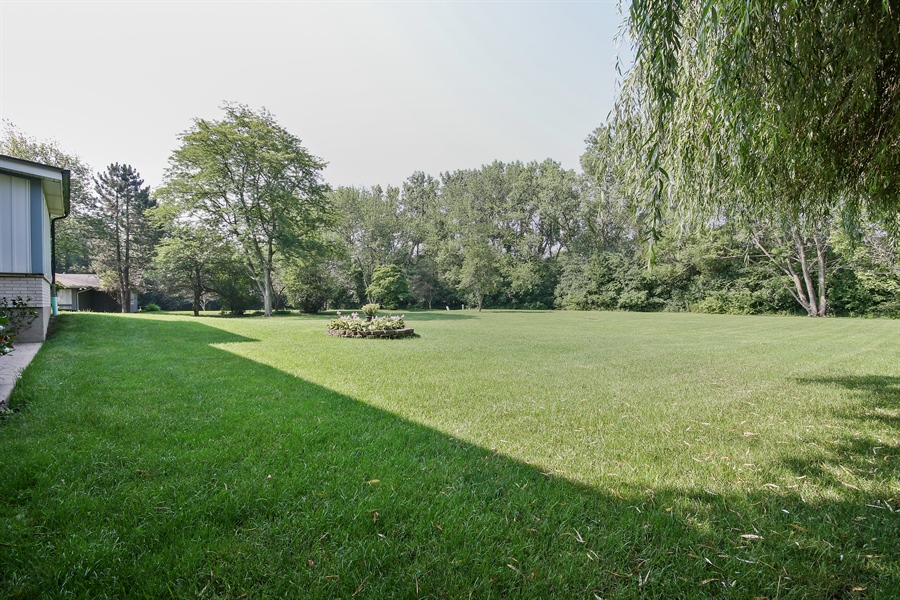 Real Estate Photography - 69 Graymoor Lane, Olympia Fields, IL, 60461 - Grounds