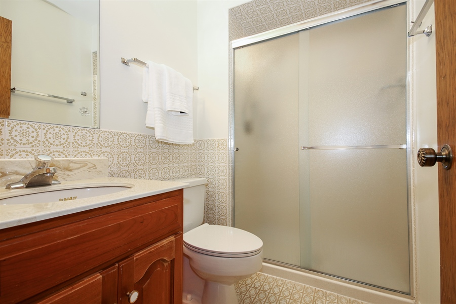 Real Estate Photography - 69 Graymoor Lane, Olympia Fields, IL, 60461 - Private Bath