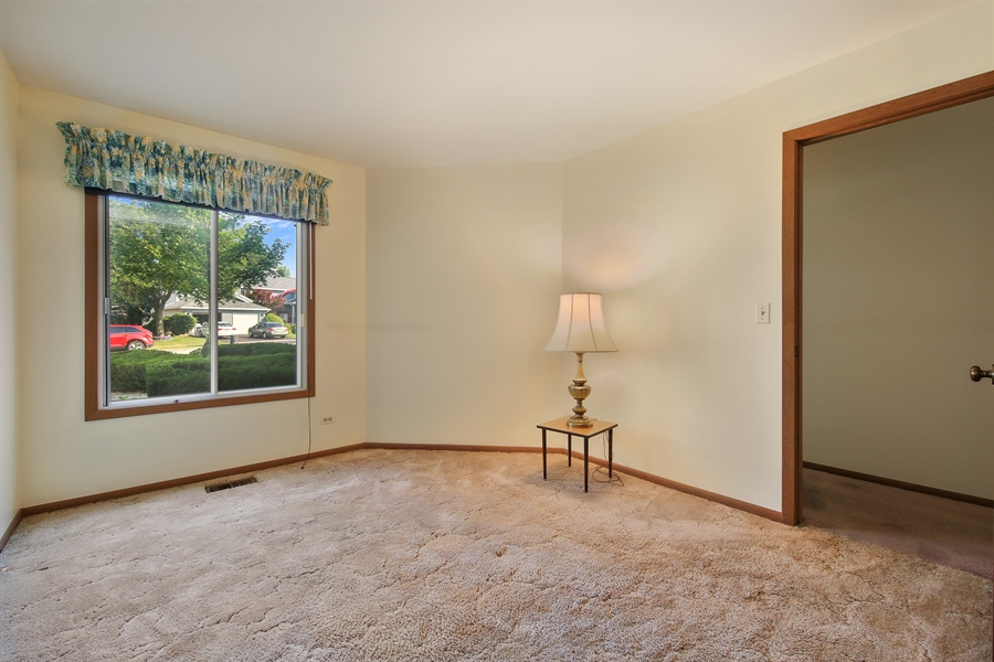 Real Estate Photography - 2489 Brunswick Circle, Unit 19B1, Woodridge, IL, 60517 - Bedroom