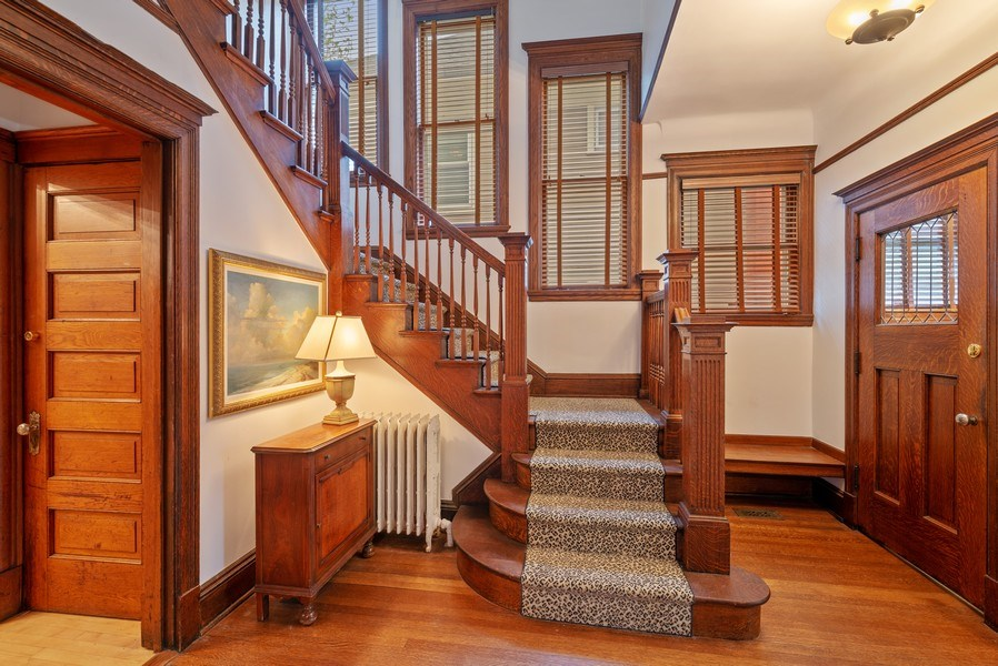 Real Estate Photography - 5344 N. Wayne Avenue, Chicago, IL, 60640 - Foyer