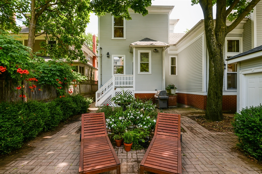 Real Estate Photography - 5344 N. Wayne Avenue, Chicago, IL, 60640 - Rear View