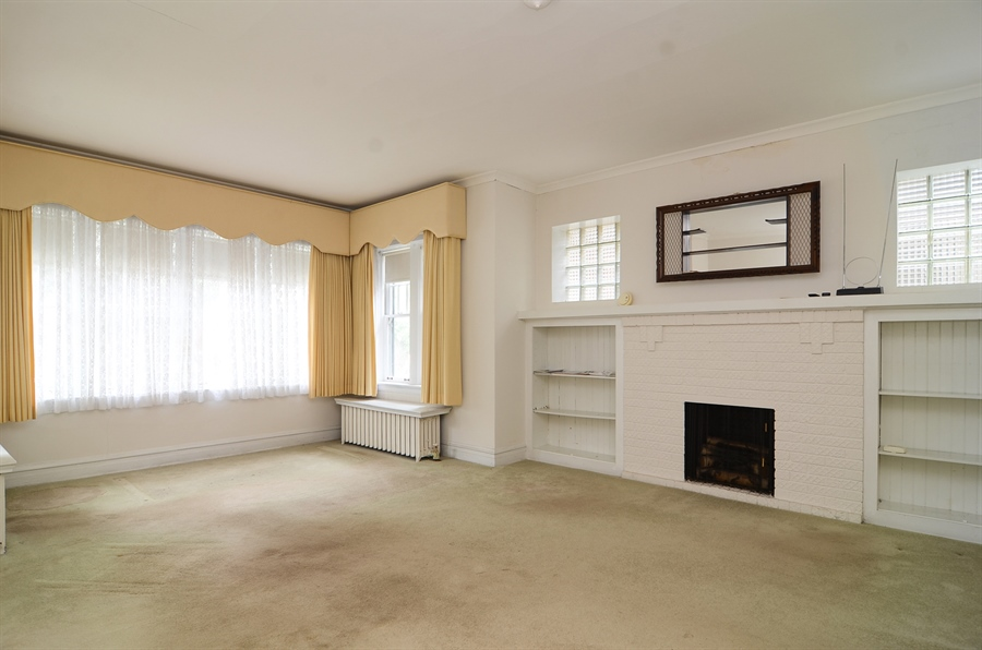 Real Estate Photography - 4443 N. Sacramento Avenue, Chicago, IL, 60625 - Living Room