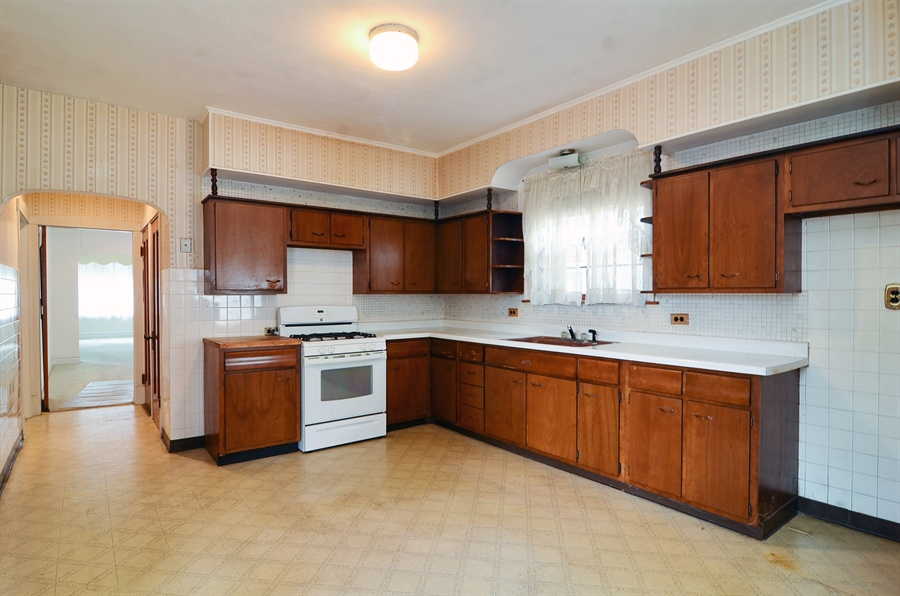 Real Estate Photography - 4443 N. Sacramento Avenue, Chicago, IL, 60625 - Kitchen