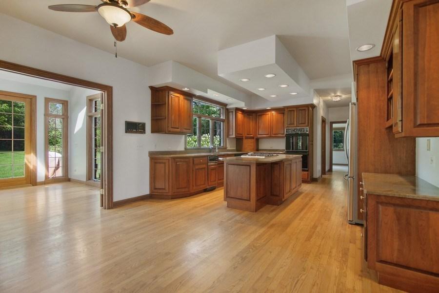 Real Estate Photography - 712 Milton Road, Inverness, IL, 60067 - Kitchen