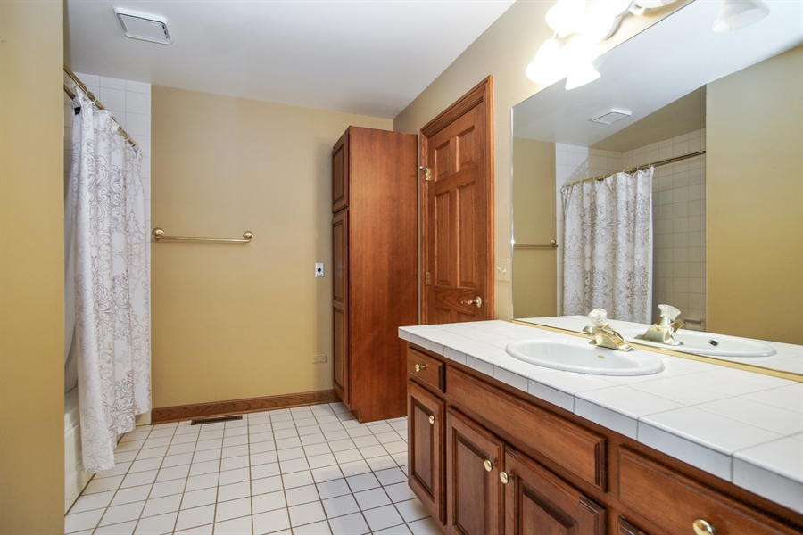 Real Estate Photography - 712 Milton Road, Inverness, IL, 60067 - 2nd Bathroom