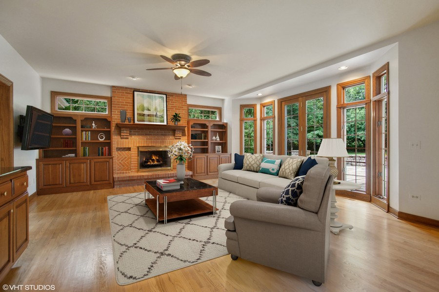 Real Estate Photography - 712 Milton Road, Inverness, IL, 60067 - Family Room