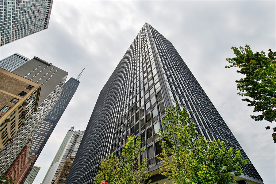 Real Estate Photography - 900 N. LAKE SHORE Drive, Unit 1510, Chicago, IL, 60611 - Front View