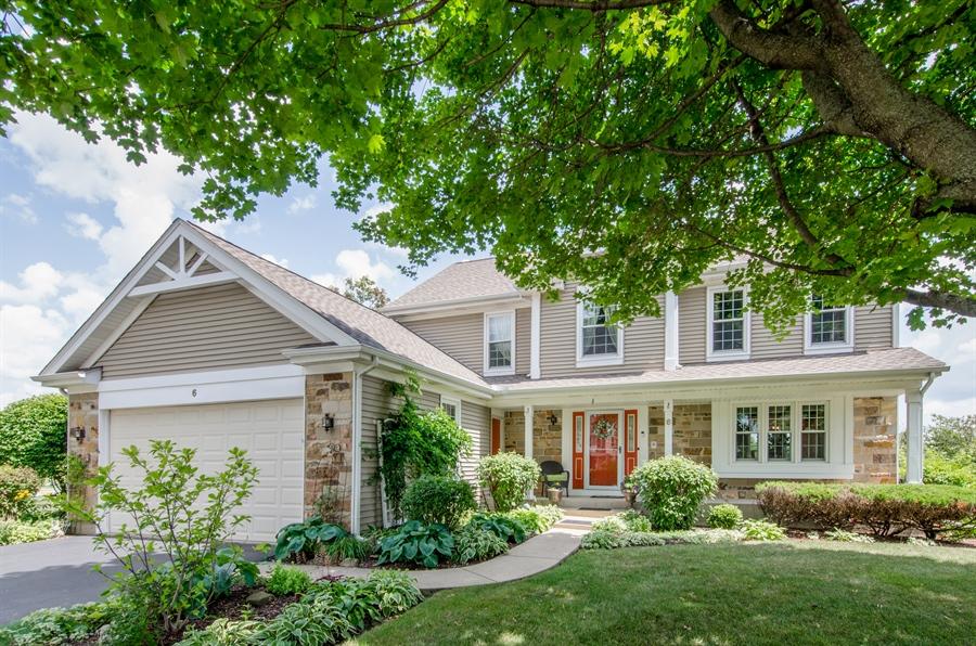 Real Estate Photography - 6 White Oak Court, Algonquin, IL, 60102 - Front View
