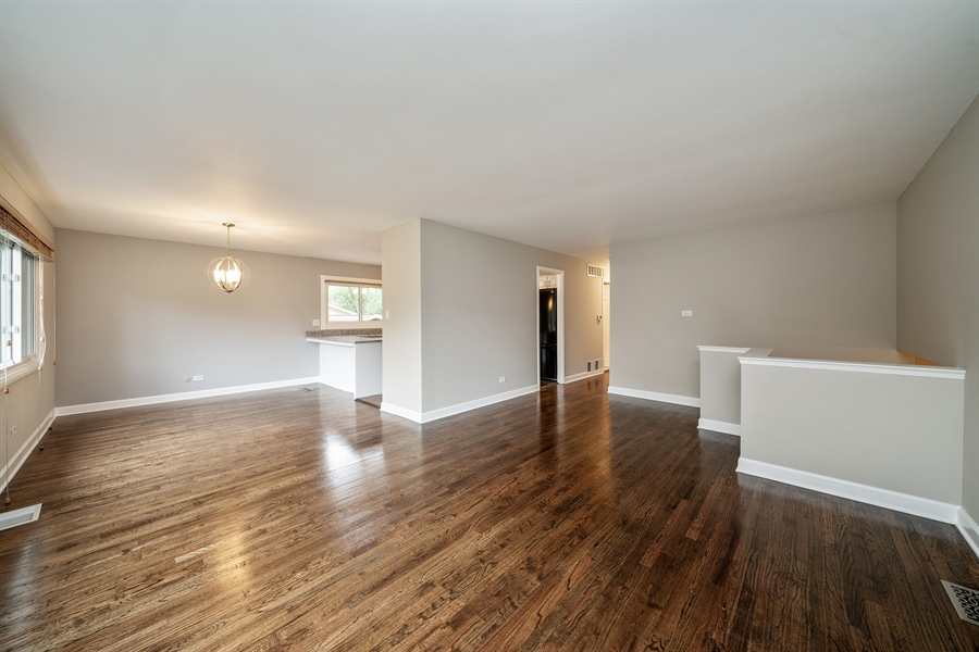 Real Estate Photography - 21W155 Everest Road, Lombard, IL, 60148 - Living Room/Dining Room