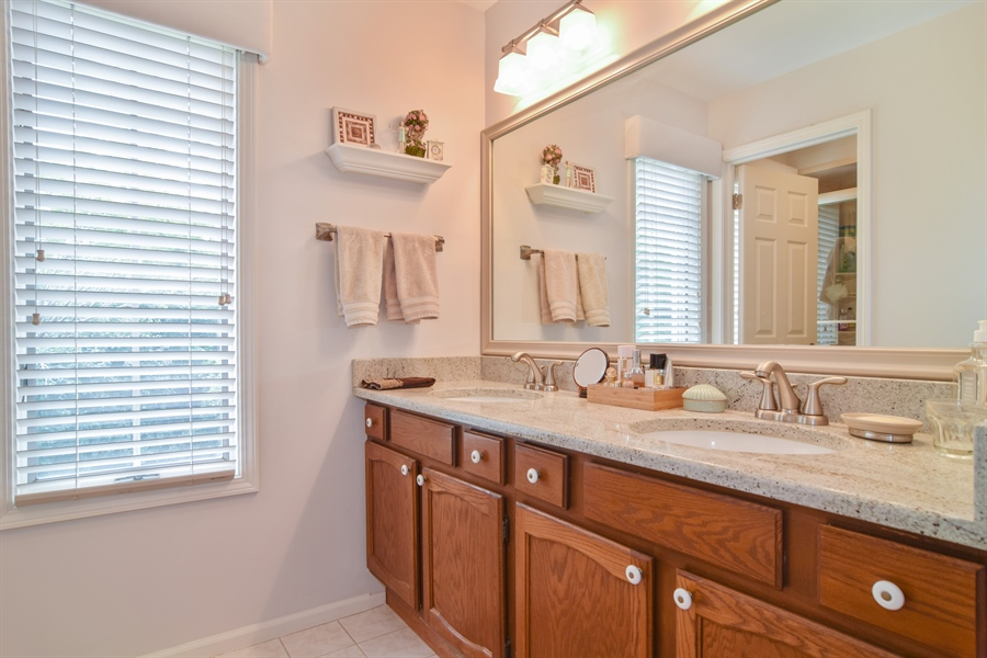 Real Estate Photography - 1449 Shire Circle, Unit 11, Inverness, IL, 60067 - Master Bathroom
