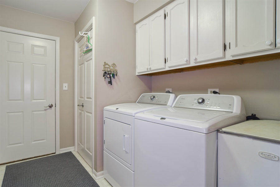 Real Estate Photography - 1449 Shire Circle, Unit 11, Inverness, IL, 60067 - Laundry Room