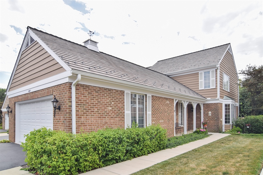 Real Estate Photography - 1449 Shire Circle, Unit 11, Inverness, IL, 60067 - Front View