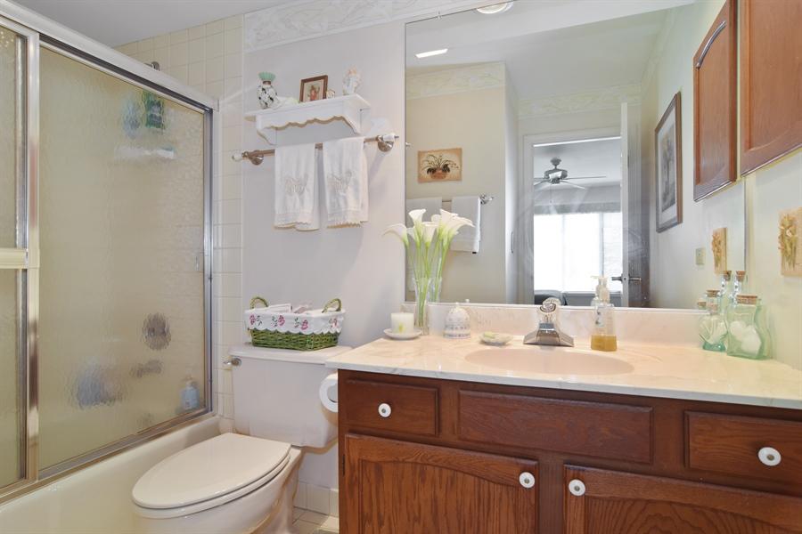 Real Estate Photography - 1449 Shire Circle, Unit 11, Inverness, IL, 60067 - Bathroom