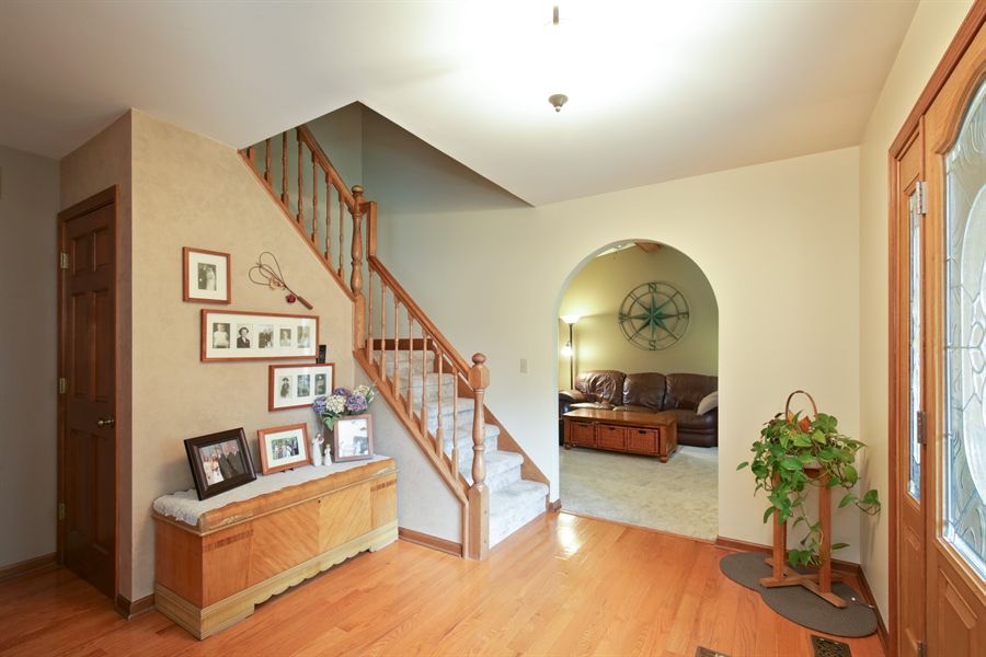 Real Estate Photography - 18N580 Spring Bluff Drive, Dundee, IL, 60118 - Foyer