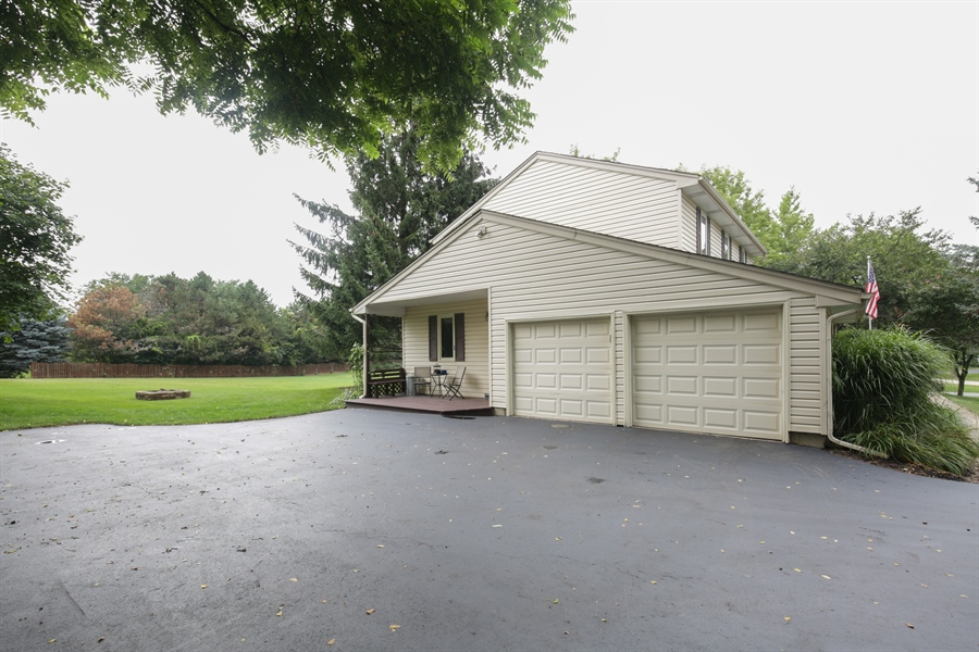 Real Estate Photography - 18N580 Spring Bluff Drive, Dundee, IL, 60118 - Garage