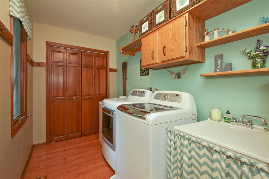 Real Estate Photography - 18N580 Spring Bluff Drive, Dundee, IL, 60118 - Laundry Room