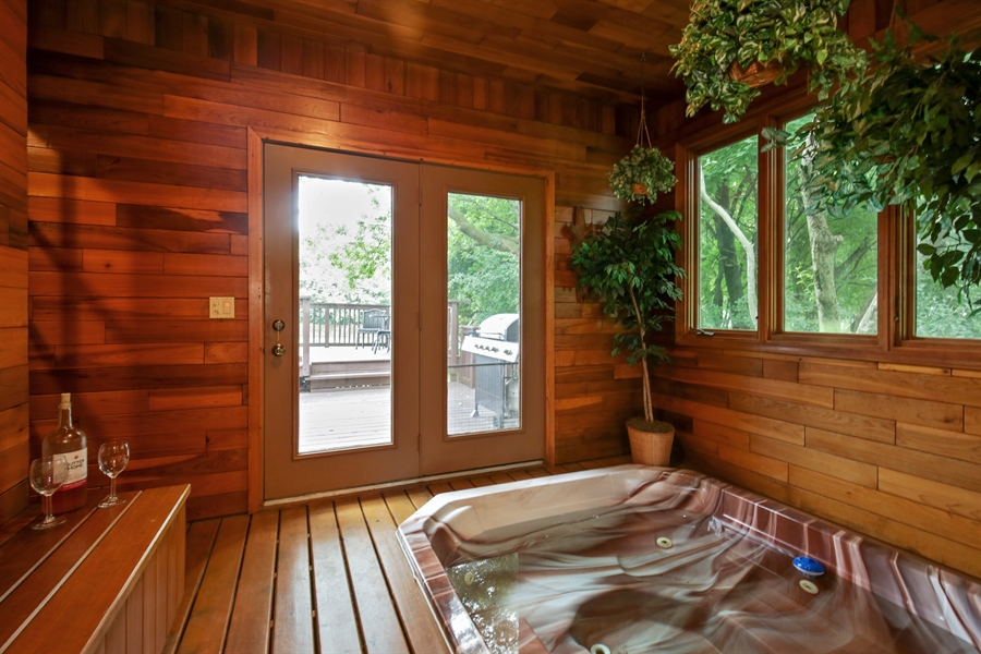 Real Estate Photography - 18N580 Spring Bluff Drive, Dundee, IL, 60118 - Porch
