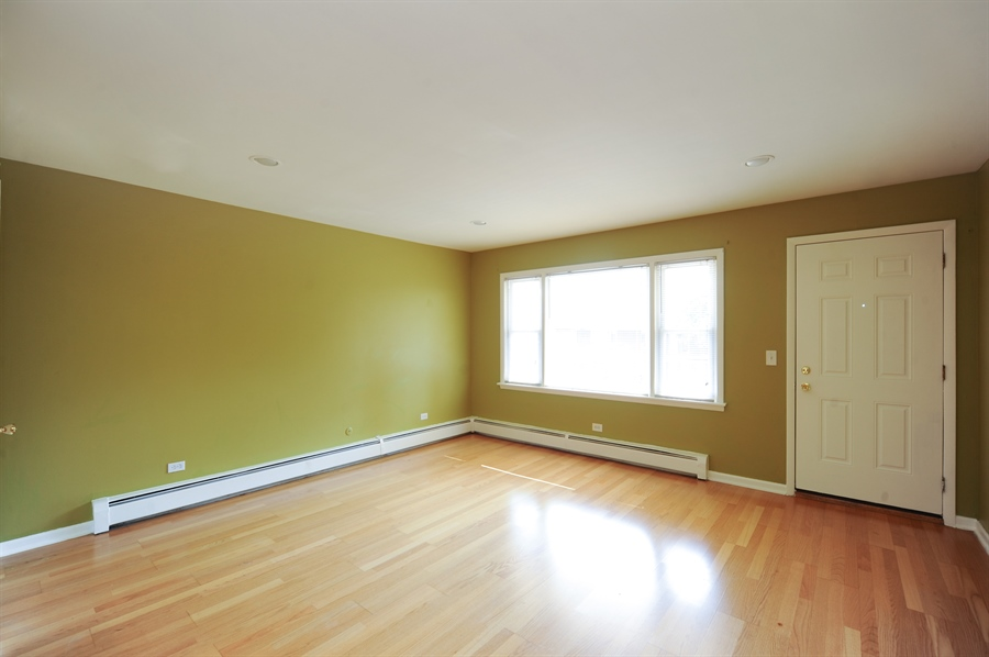 Real Estate Photography - 1101 Algonquin Road, Unit 13, Arlington Heights, IL, 60005 - Living Room