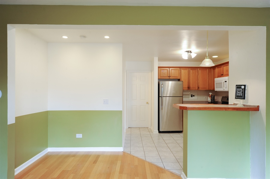 Real Estate Photography - 1101 Algonquin Road, Unit 13, Arlington Heights, IL, 60005 - Kitchen / Breakfast Room