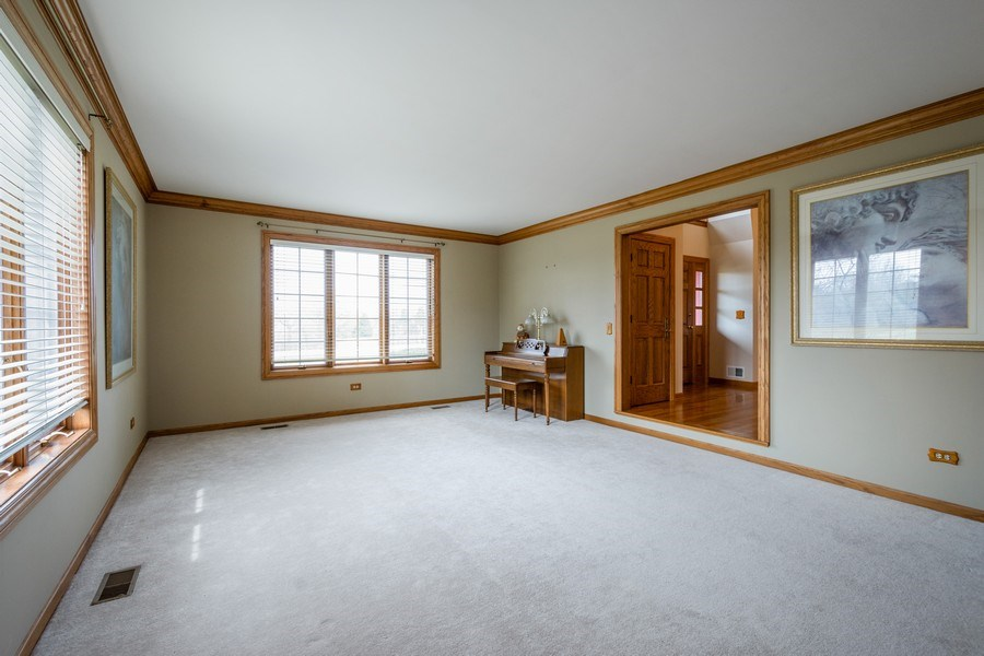 Real Estate Photography - 105 Stone Marsh Lane, Barrington, IL, 60010 - Living Room