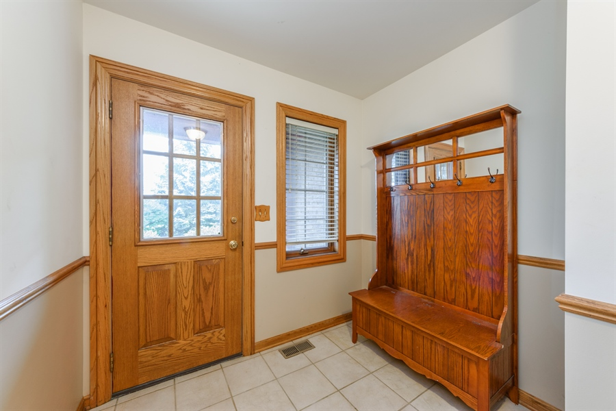 Real Estate Photography - 105 Stone Marsh Lane, Barrington, IL, 60010 - Mudroom