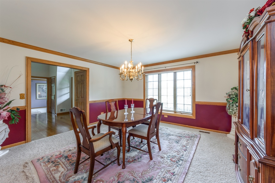Real Estate Photography - 105 Stone Marsh Lane, Barrington, IL, 60010 - Dining Room