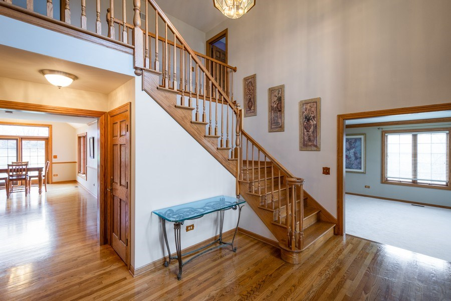 Real Estate Photography - 105 Stone Marsh Lane, Barrington, IL, 60010 - Foyer