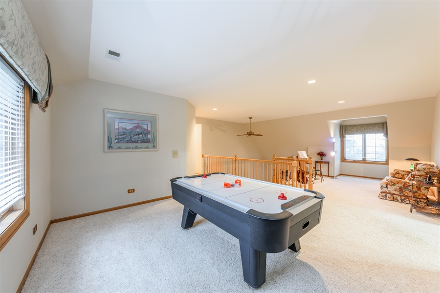 Real Estate Photography - 105 Stone Marsh Lane, Barrington, IL, 60010 - Loft
