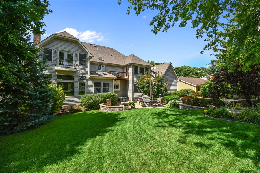 Real Estate Photography - 1404 ROYAL ST. GEORGE Drive, Naperville, IL, 60563 - Superbly landscaped & colorful