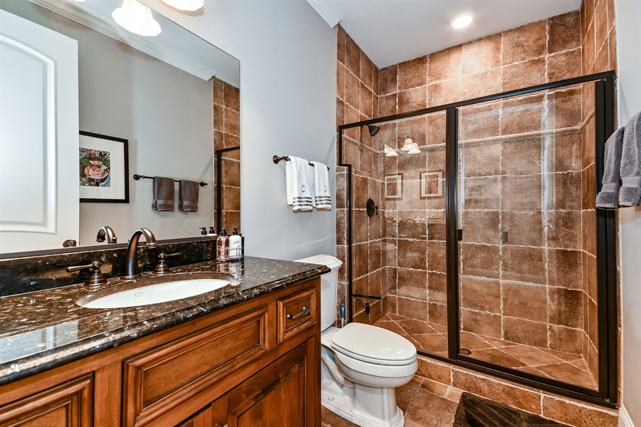 Real Estate Photography - 1404 ROYAL ST. GEORGE Drive, Naperville, IL, 60563 - Full bath adjacent to 1st FLR guest suite