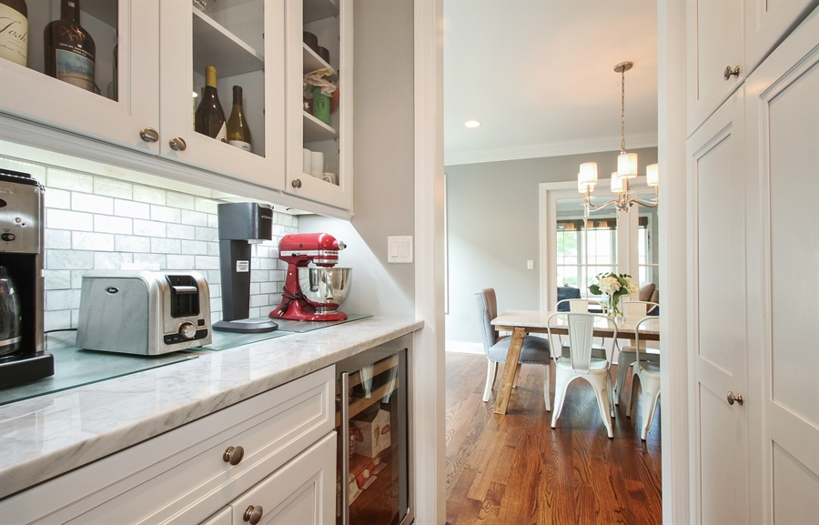 Real Estate Photography - 554 Orchard Lane, Winnetka, IL, 60093 - Butler's pantry