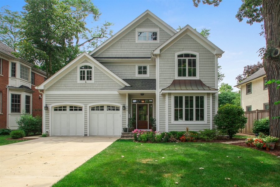 Real Estate Photography - 554 Orchard Lane, Winnetka, IL, 60093 - Front View