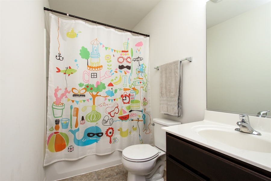 Real Estate Photography - 1098 Piccolo Lane, Volo, IL, 60073 - Bathroom