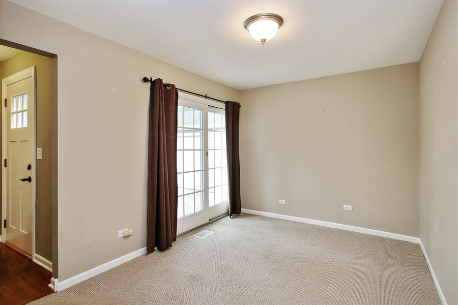 Real Estate Photography - 3506 Thrush Lane, Rolling Meadows, IL, 60008 - Family Room