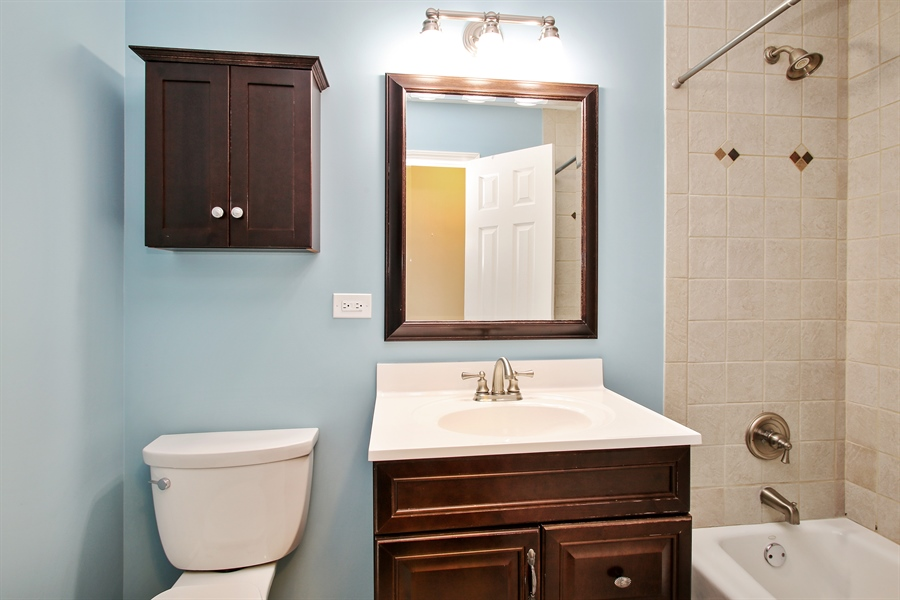 Real Estate Photography - 3506 Thrush Lane, Rolling Meadows, IL, 60008 - Bathroom