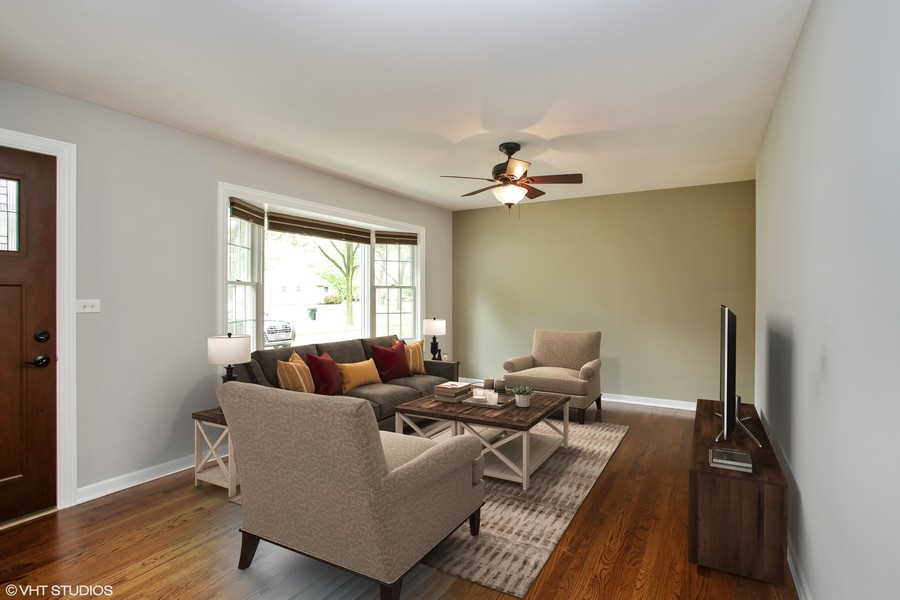 Real Estate Photography - 3506 Thrush Lane, Rolling Meadows, IL, 60008 - Living Room