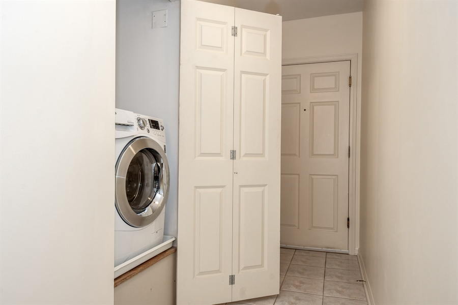 Real Estate Photography - 2601 Central St, 301, Evanston, IL, 60201 - Laundry