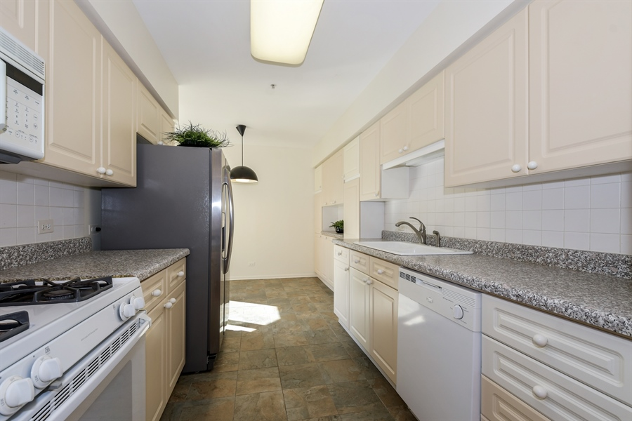 Real Estate Photography - 2601 Central St, 301, Evanston, IL, 60201 - Kitchen
