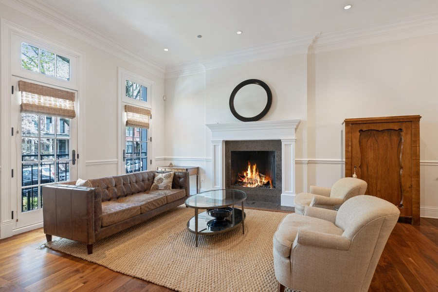 Real Estate Photography - 2030 N. Dayton Street, Chicago, IL, 60614 - Living Room