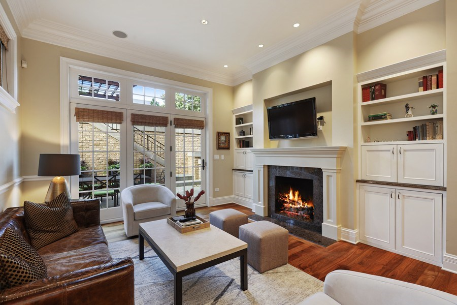 Real Estate Photography - 2030 N. Dayton Street, Chicago, IL, 60614 - Family Room