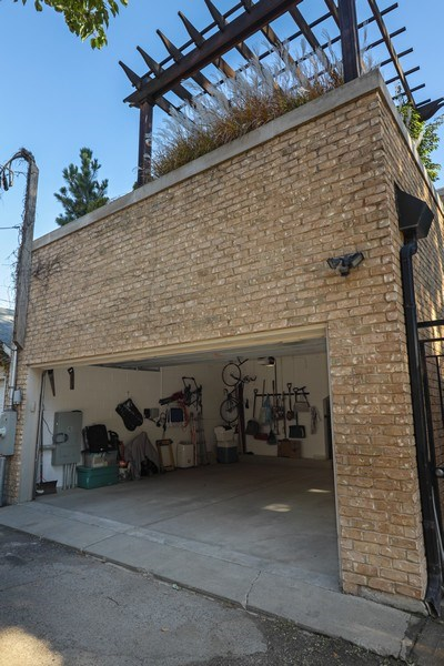Real Estate Photography - 2030 N. Dayton Street, Chicago, IL, 60614 - Garage