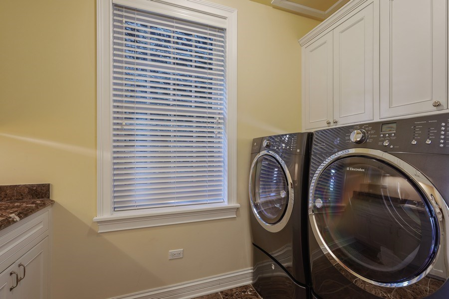 Real Estate Photography - 2030 N. Dayton Street, Chicago, IL, 60614 - Laundry Room