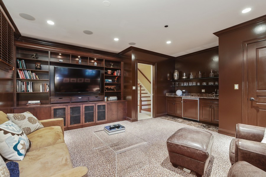 Real Estate Photography - 2030 N. Dayton Street, Chicago, IL, 60614 - Library