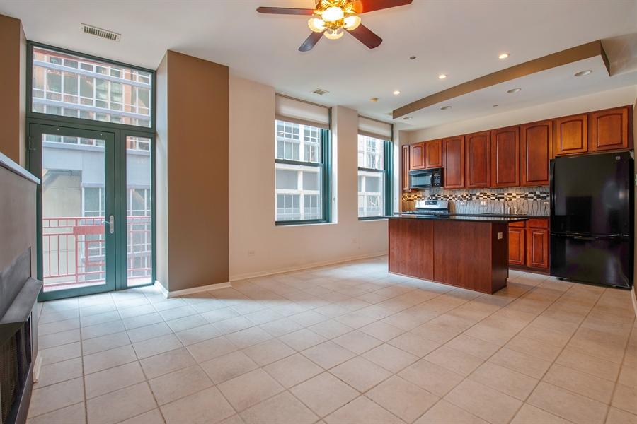 Real Estate Photography - 208 W. WASHINGTON Street, Unit 1013, Chicago, IL, 60606 - Kitchen / Living Room