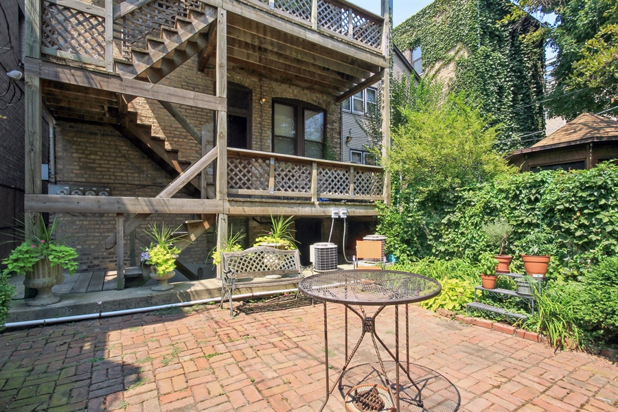 Real Estate Photography - 1531 N. North Park Avenue, Chicago, IL, 60610 - Back Yard