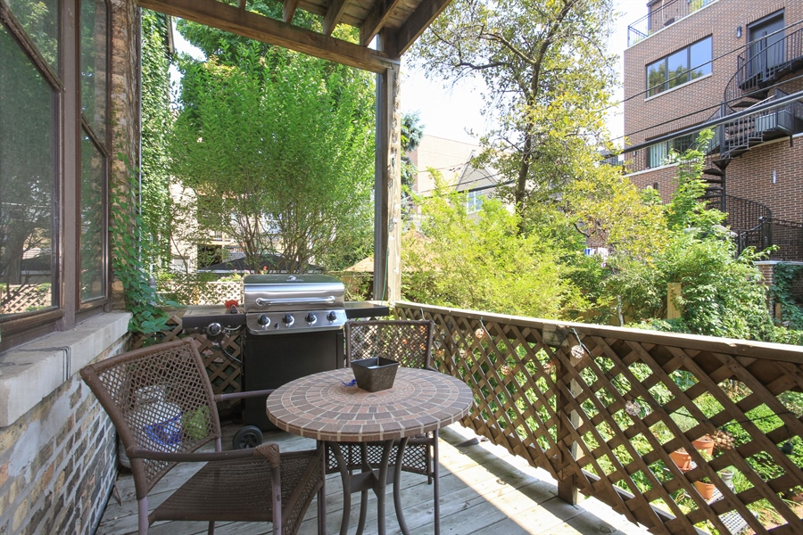 Real Estate Photography - 1531 N. North Park Avenue, Chicago, IL, 60610 - Deck