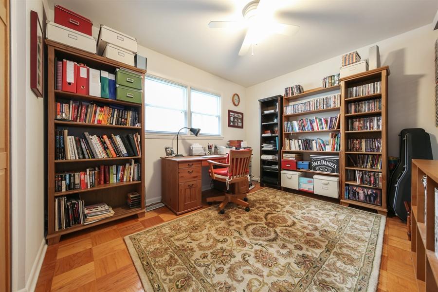 Real Estate Photography - 2310 Birchwood Parkway, Woodridge, IL, 60517 - 2nd Bedroom