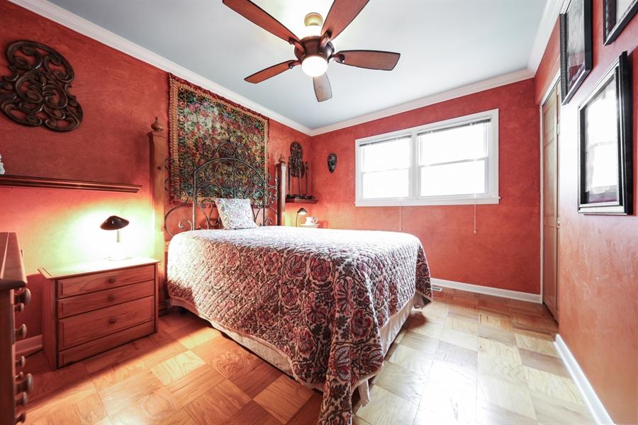 Real Estate Photography - 2310 Birchwood Parkway, Woodridge, IL, 60517 - 3rd Bedroom